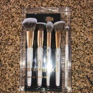 New unopened birch box brush set